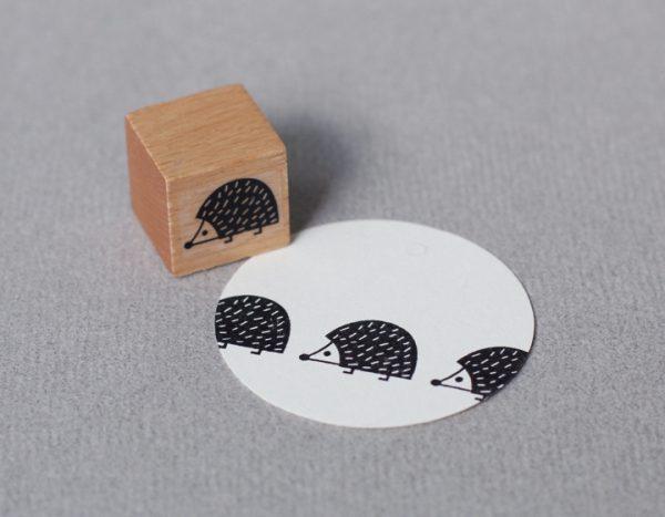 stempel perlenfischer igelbaby naehzimmer mit herz onlineshop