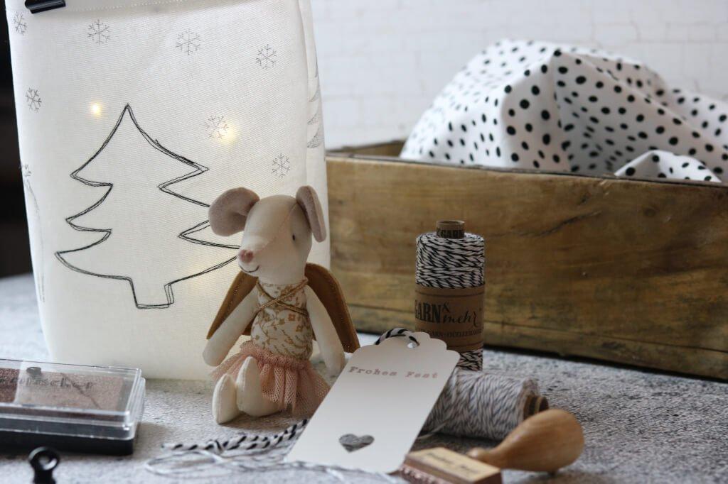 Lichtbeutel-naehen-kostenlose-Anleitung-Naehzimmer-mit-Herz-Dunja-Supp-Zornheim-Stoffladen-Onlineshop-Lichtbeutel-Titelbild-1